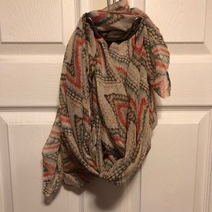 Accessories - NWOT Beautiful soft scarf